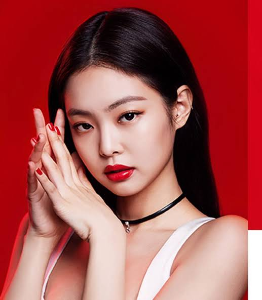 K-pop Singer Jennie Raises The Heat With Her Latest Pictures 1