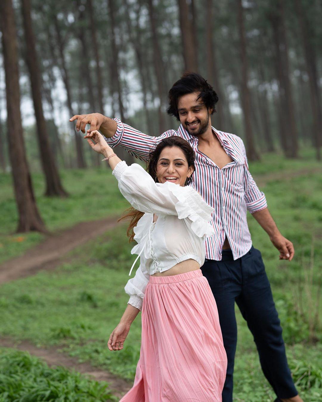 Ridhima's stunningly beautiful smile caught my attention: Sourabh Raaj Jain