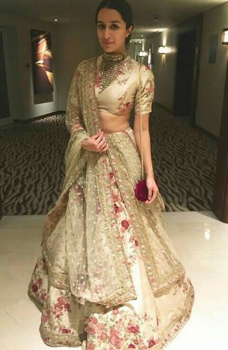 Style This Gorgeous Sabyasachi Lehenga With A Classy Makeup Look Just Like Priyanka Chopra, Shraddha Kapoor And Deepika Padukone