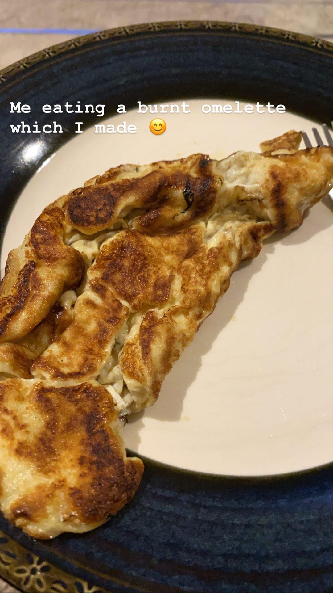 Varun Dhawan eats self-made burnt omelette 1