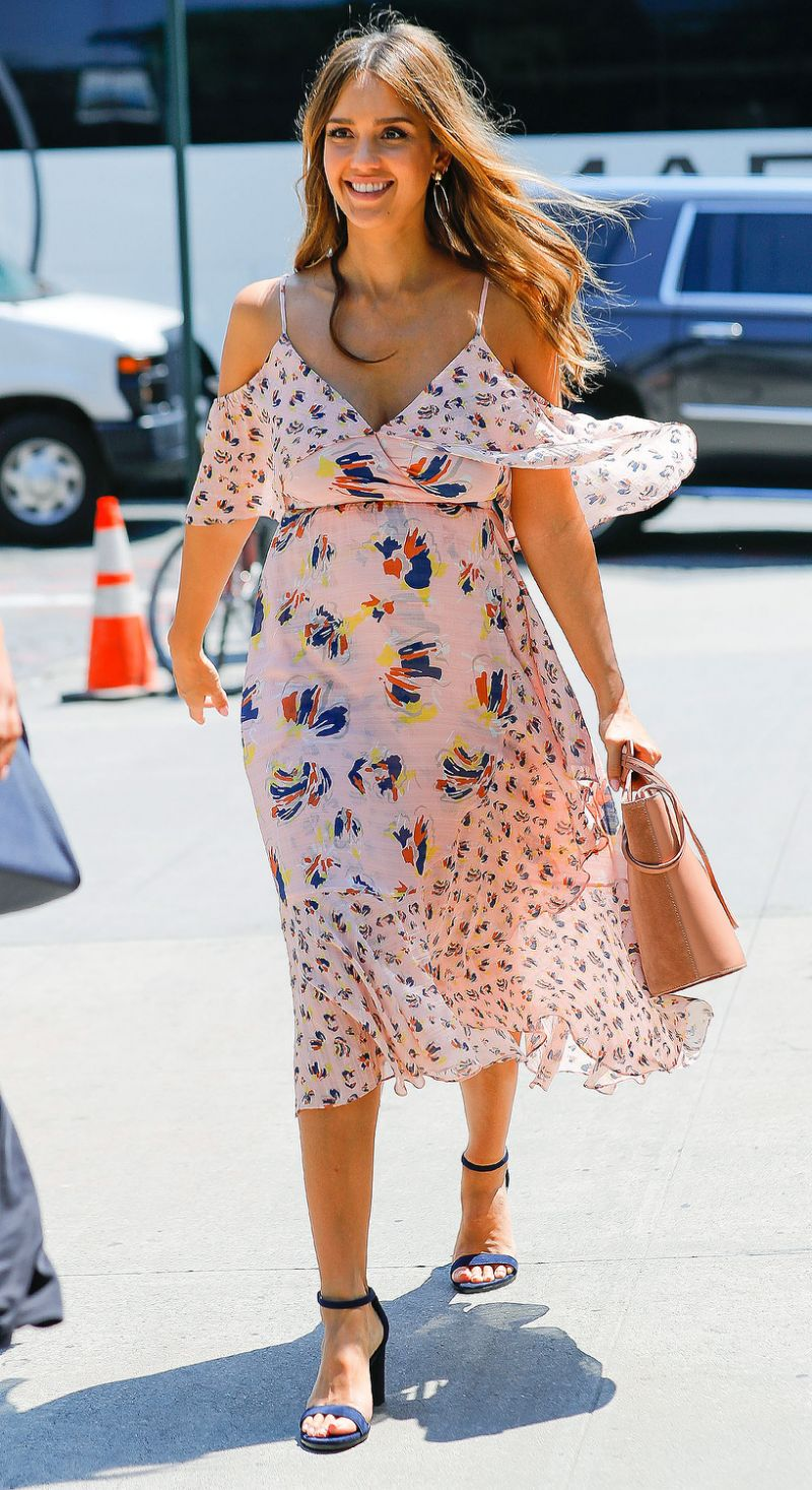 5 Times Jessica Alba Looked HOT In Printed Outfits