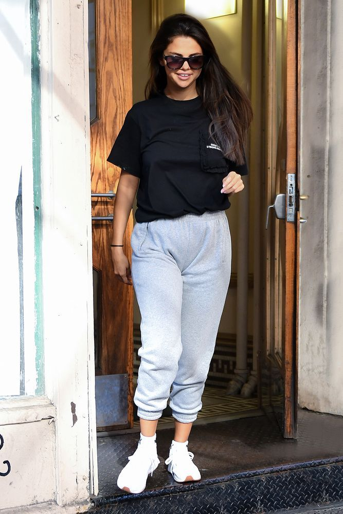 5 Trendy Summer Tees From Selena Gomez's Wardrobe For Women Who Like To Keep It Simple 1