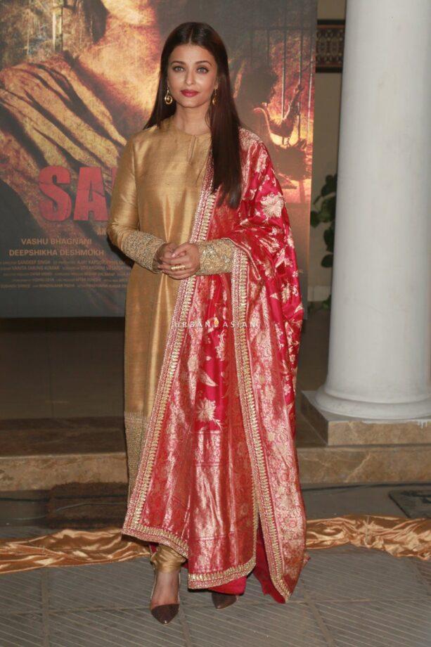Aishwarya Rai Bachchan's Ethnic Wear Wardrobe is a VISUAL DELIGHT 1