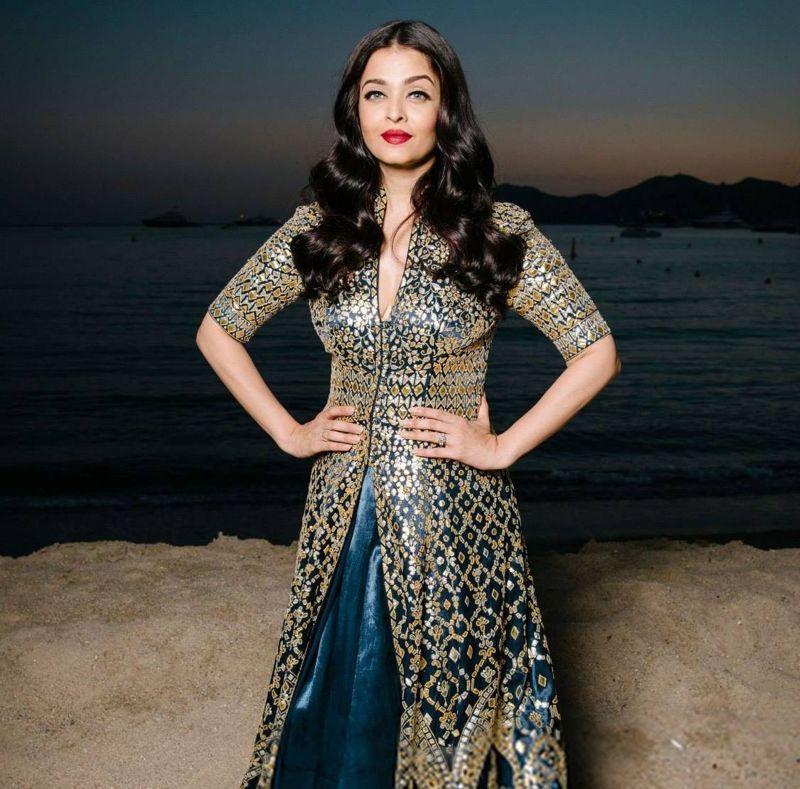 Aishwarya Rai Bachchan's Ethnic Wear Wardrobe is a VISUAL DELIGHT 2