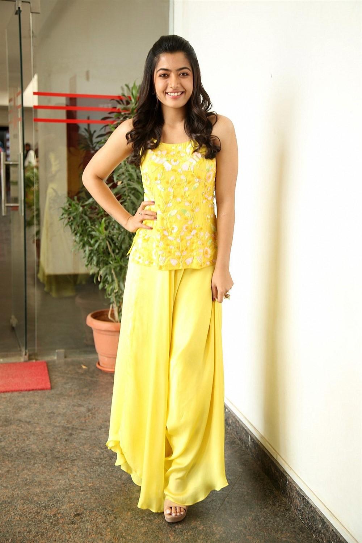 Amy Jackson, Nithya Menen, Rashmika Mandanna: Actresses Who Flaunted Floor Length Outfits The BEST? 7
