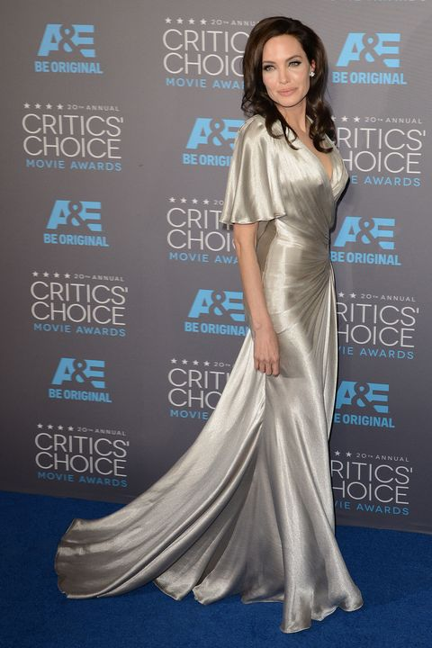 Angelina Jolie's Fashionable Looks That Untie The Knots Of Elegance and Snobbery 5