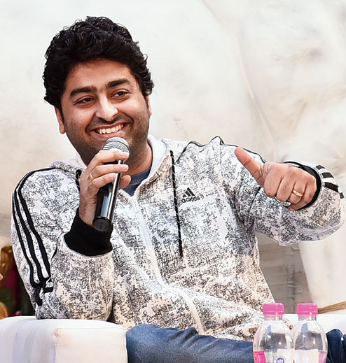 Arijit Singh's Dynamic Looks To Follow 1