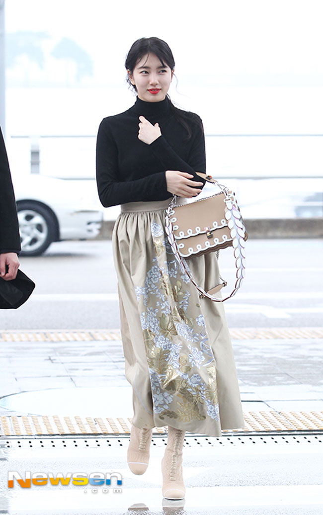 Bae Suzy, IU: Coolest Airport Looks for Girls! 1