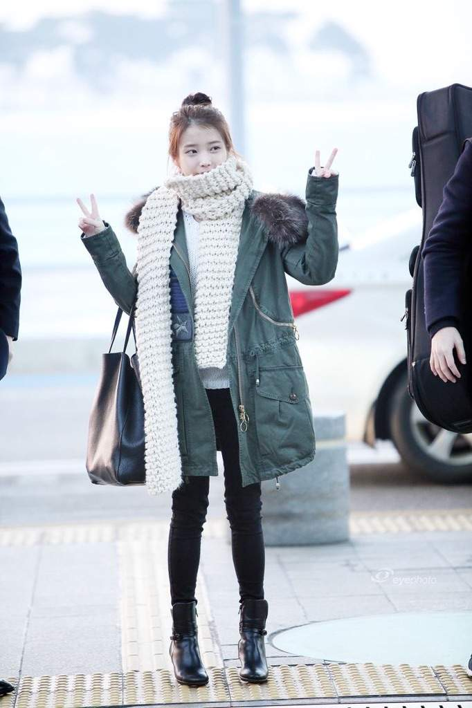 Bae Suzy, IU: Coolest Airport Looks for Girls! 5