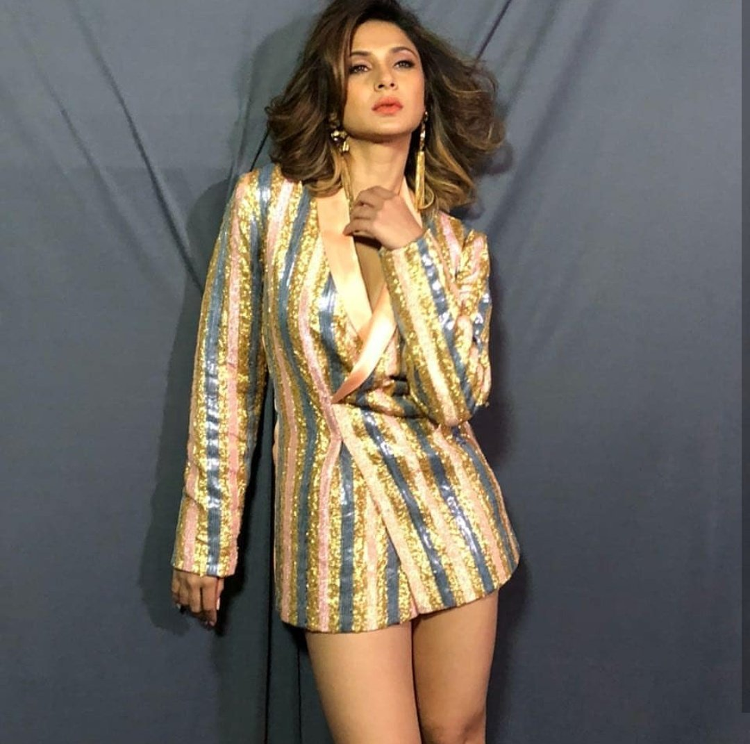 Check Out! Jennifer Winget's Short Dress Summer Looks That You Will Surely Enjoy 3