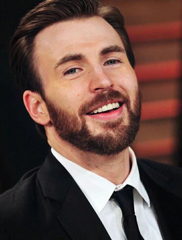 Chris Pratt Vs Chris Evans Vs Chris Hemsworth: The Best Smile Picture Ever 1