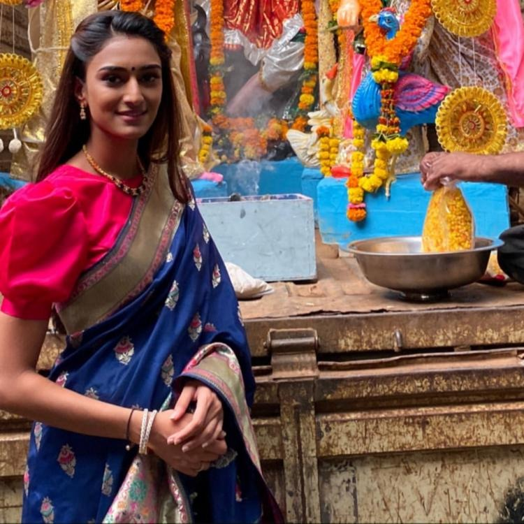 Erica Fernandes's Banarsi Saree Is A Must Have This Festive Season, Here's Why 1