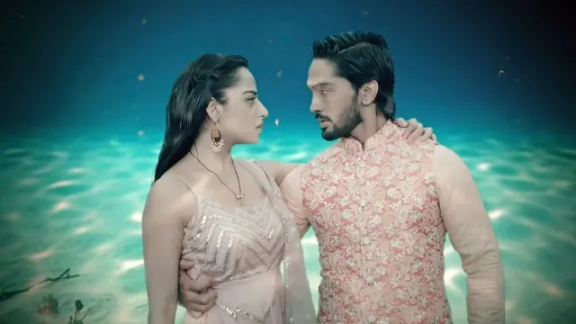 Hottest Scenes Of Piya And Ansh From Nazar Will Leave You Stunned! 9