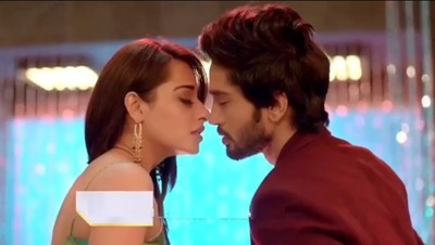 Hottest Scenes Of Piya And Ansh From Nazar Will Leave You Stunned! 2