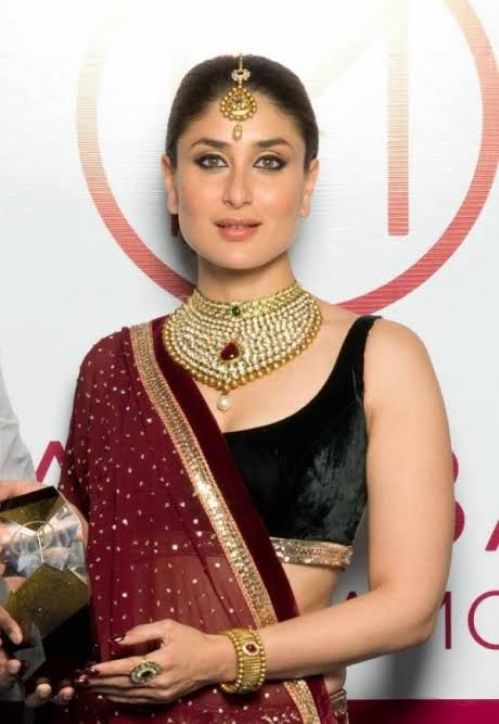 How To Make The Perfect Combination Of Jewellery With Saree? Take Tips From Kareena Kapoor Khan 1