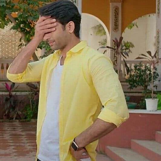 Learn Yellow Fashion Trend From Yeh Rishtey Hain Pyaar Ke Actor Shaheer Sheikh 2
