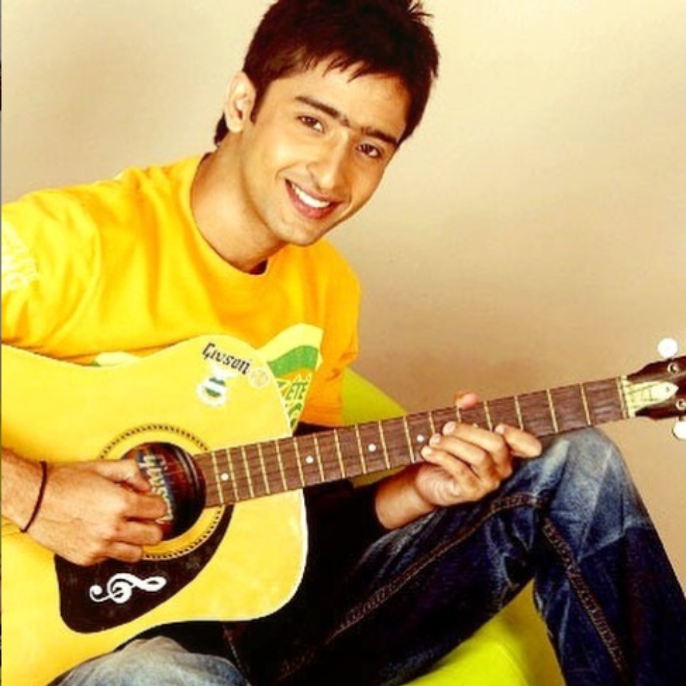 Learn Yellow Fashion Trend From Yeh Rishtey Hain Pyaar Ke Actor Shaheer Sheikh 3