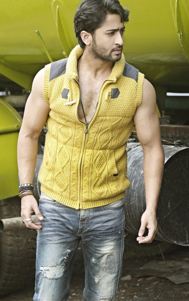 Learn Yellow Fashion Trend From Yeh Rishtey Hain Pyaar Ke Actor Shaheer Sheikh 4