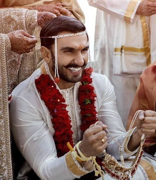 These Pieces Of Men's Jewellery You Should Buy Taking Inspiration From Ranveer Singh