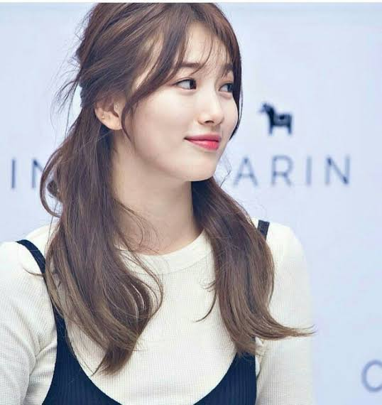 Top 5 Bae Suzy Hairstyles For Every Family Occasion 6