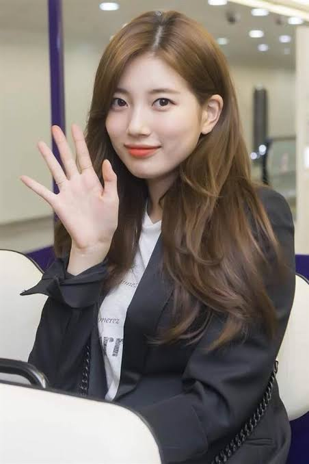 Top 5 Bae Suzy Hairstyles For Every Family Occasion 1