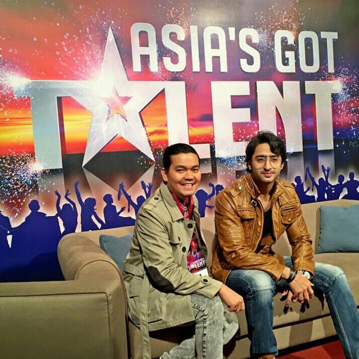 Yeh Rishtey Hain Pyaar Ke Star Shaheer Sheikh And His Indonesian Fan Moments