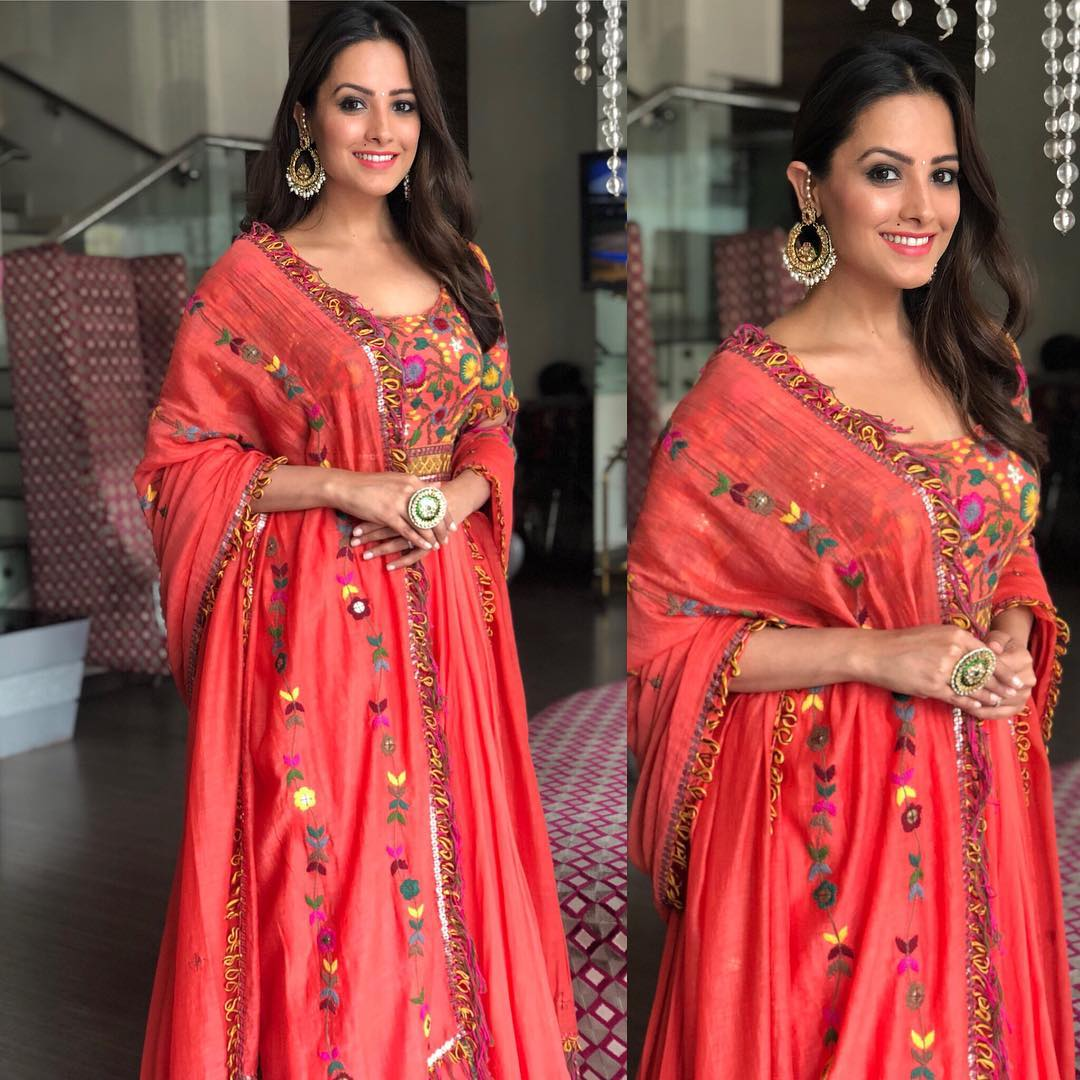 [IN PICS] How Anita Hassanandani's Style Has Changed Over The Years 3