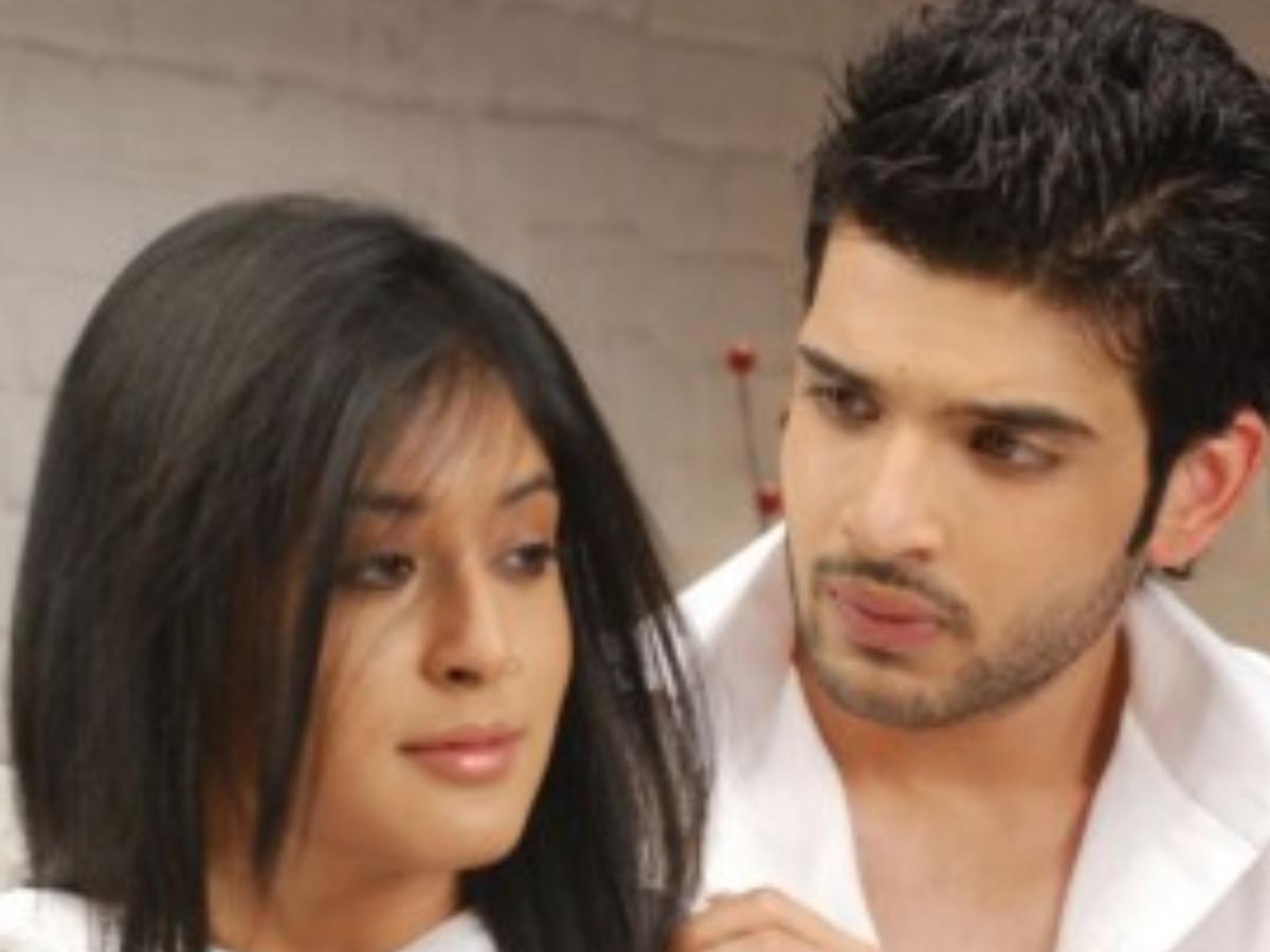 Kitani Mohabbat Hai Unseen Romantic Moments Of Kritika Kamra and Karan Kundrra 1