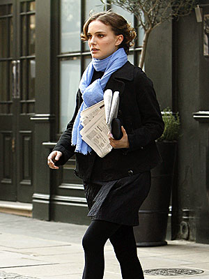 Natalie Portman's Midi Outfits Giving Us Major Autumn Style Inspiration 2
