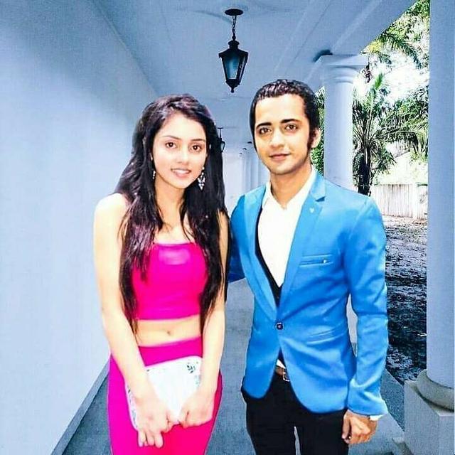 Off-Screen Photos Of Mallika Singh And Sumedh Mudgalkar Will Make You BLUSH! 3
