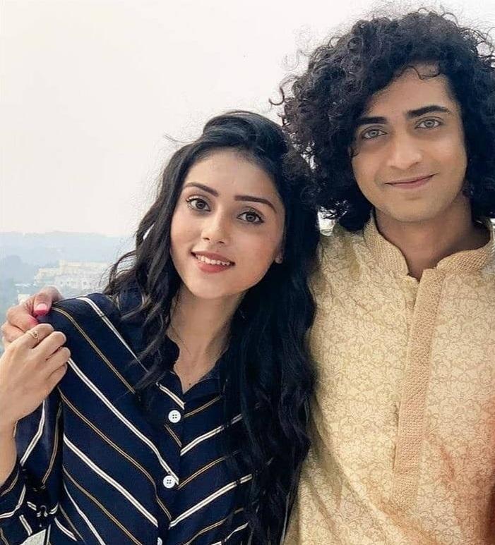Off-Screen Photos Of Mallika Singh And Sumedh Mudgalkar Will Make You BLUSH! 7