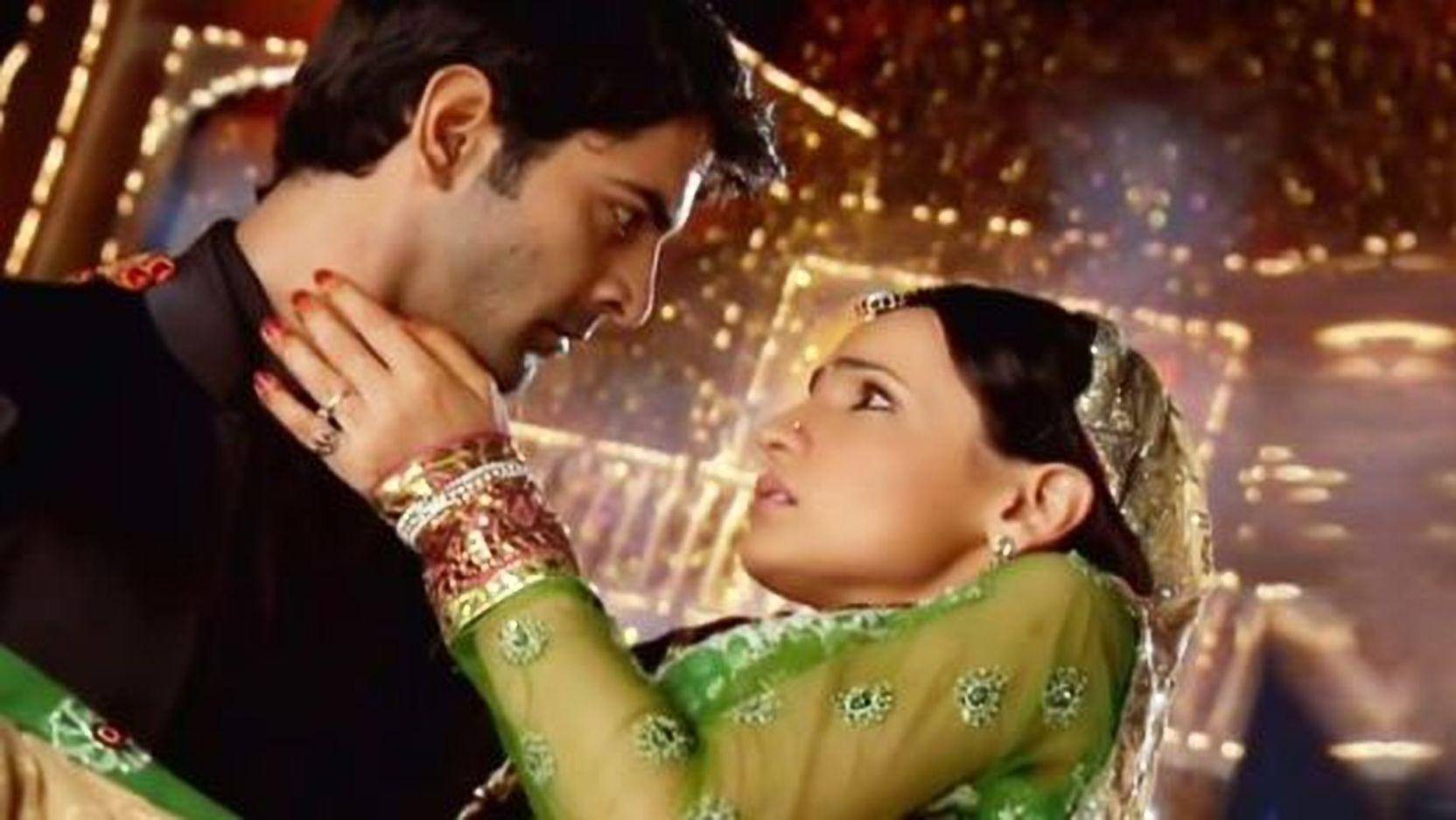 Sanaya Irani – Barun Sobti Unseen Romantic Moments From Iss Pyaar Ko Kya Naam Doon 2