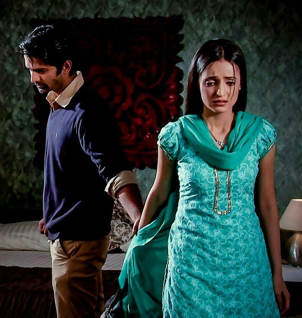 Sanaya Irani – Barun Sobti Unseen Romantic Moments From Iss Pyaar Ko Kya Naam Doon 3