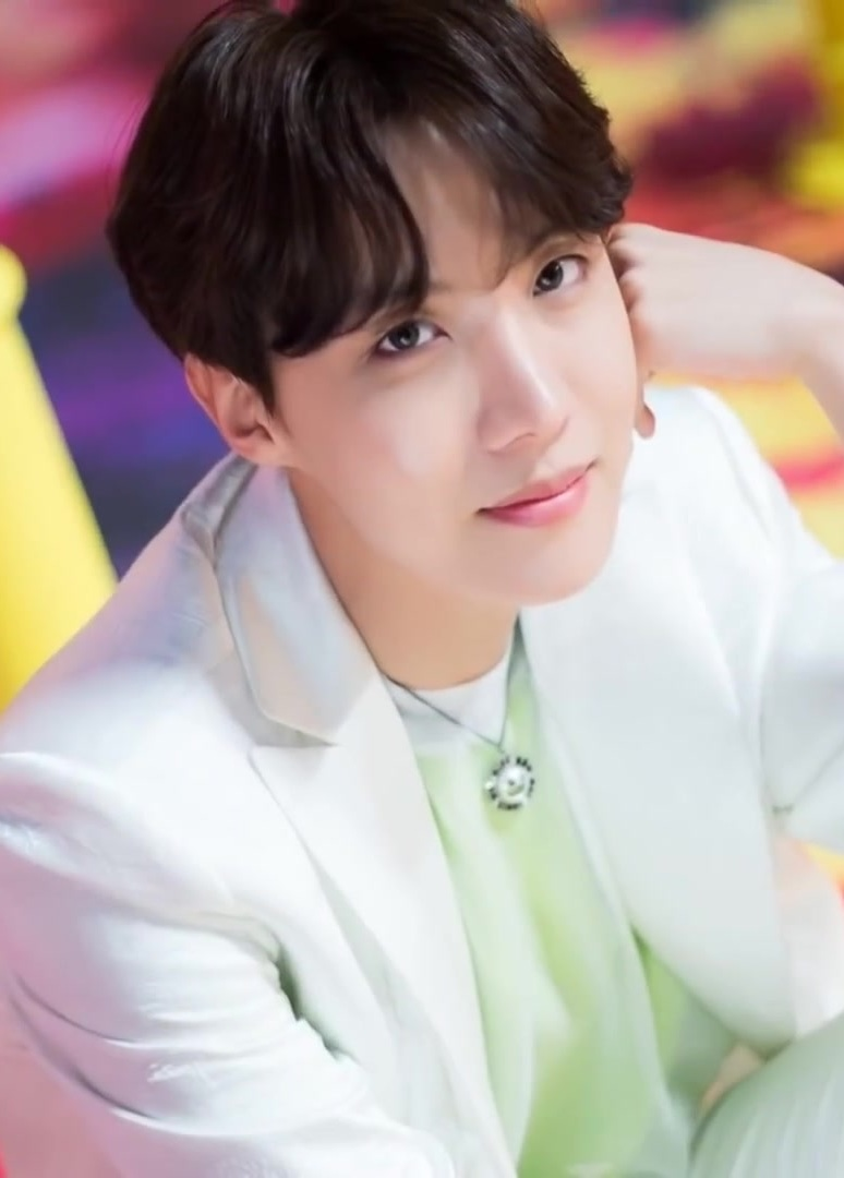 The Net Worth Of Jungkook And Other BTS Members! 2