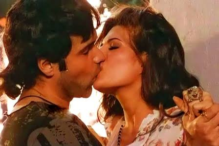 Top 3 KISSING Poses From Emraan Hashmi & Jacqueline Fernandez Starrer Murder 2 To Try In Your Next Kiss