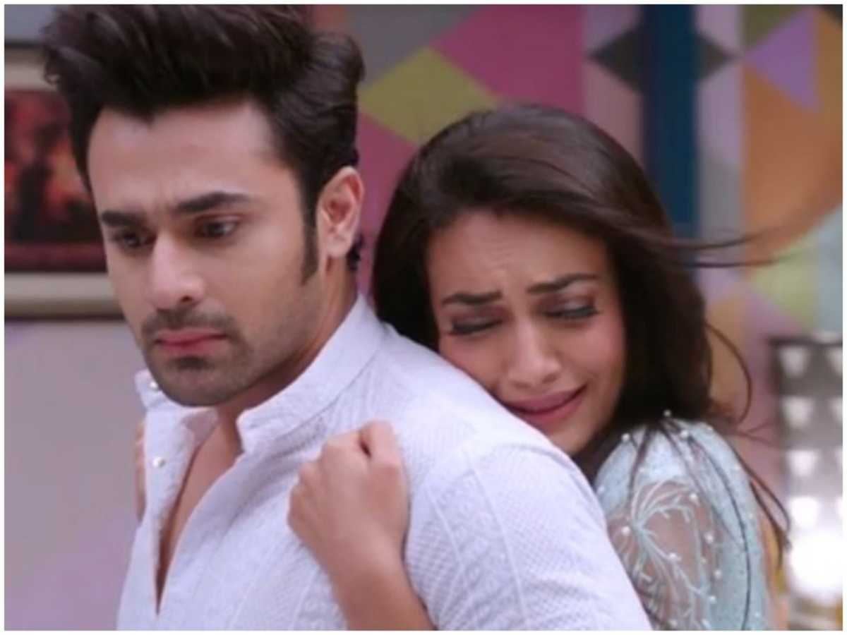 Unseen Romantic Moments From Naagin 3