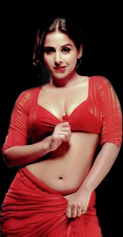 Aishwarya Rai, Tamannaah Bhatia and Vidya Balan's hottest belly curve photos that went viral on internet 1