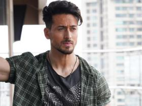 Fashion Tips: Arjun Kapoor, Tiger Shroff, And Vicky Kaushal Know How To Style Checkered Outfits For Office Look 8