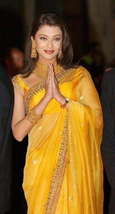 From Banarasi Saree To Designer Saree: How Aishwarya Rai Bachchan, Kareena Kapoor, And Deepika Padukone look extremely stylish for festive eve 1