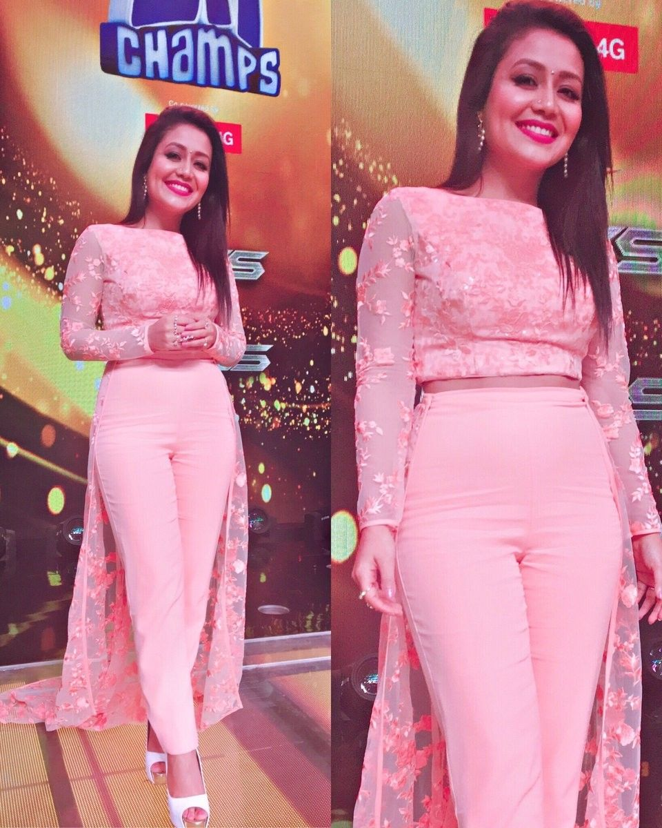 HOT And SEXY: Neha Kakkar Dazzled In Embellished Mini Outfits 1