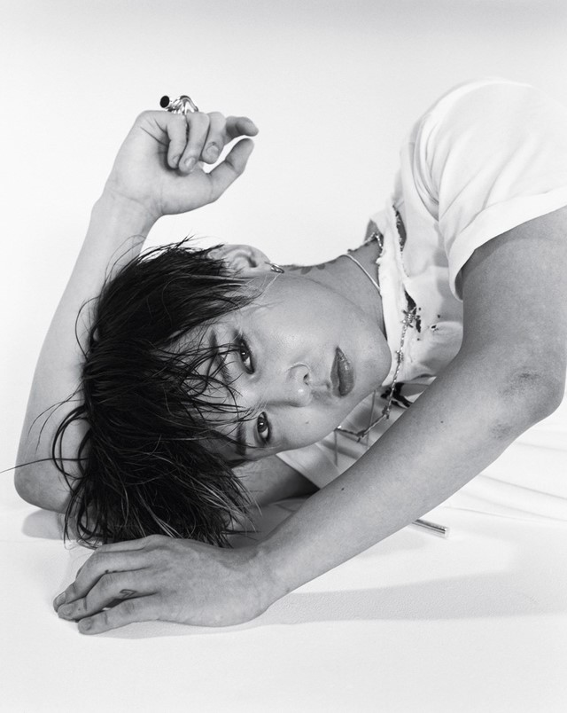 HOT And SEXY: Stunning Photoshoot Of G Dragon 2