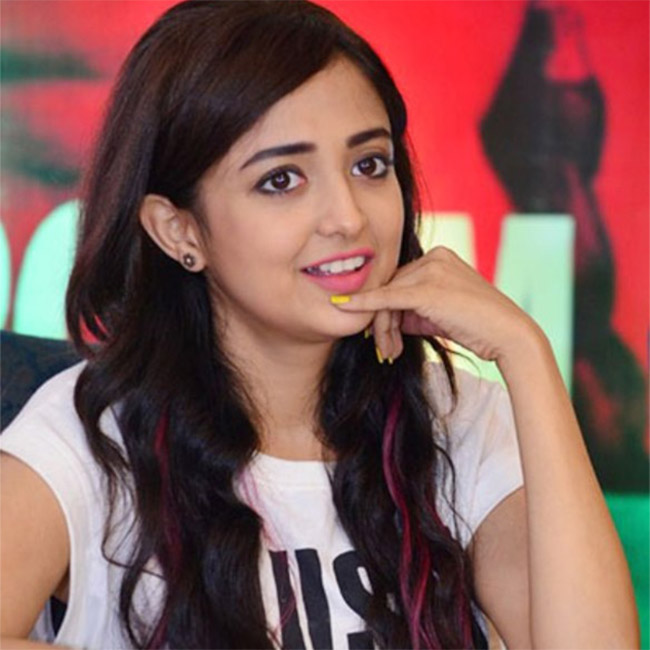 Monali Thakur's Sexy And Unseen Viral Photos 3