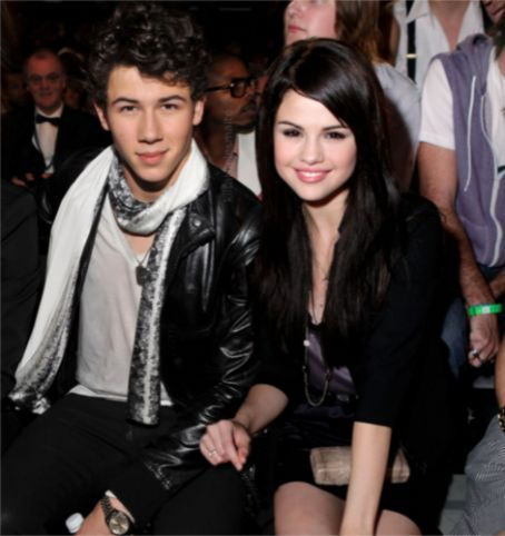 Selena Gomez And Her Failed Relationships 1