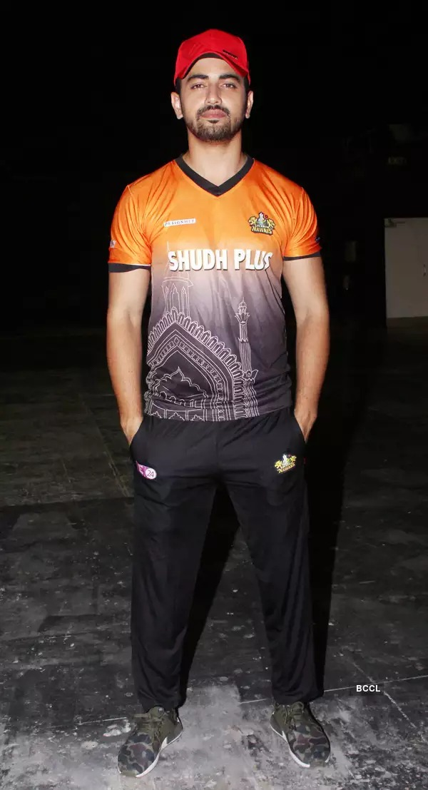Shaheer Sheikh, Parth Samthaan And Zain Imam Know How To Wear Jersey Fashionably 2