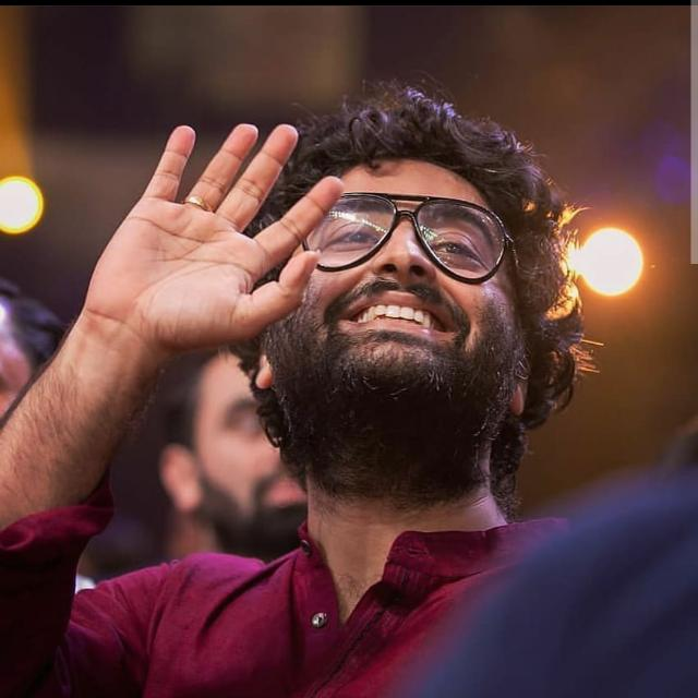 Want A Hot And Sexy Beard Like Arijit Singh? Know The Grooming Secrets