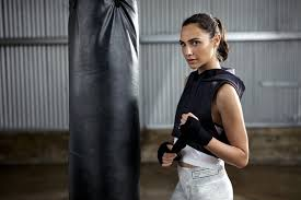5 Sexiest Gym Pants Ever Worn by Gal Gadot 1