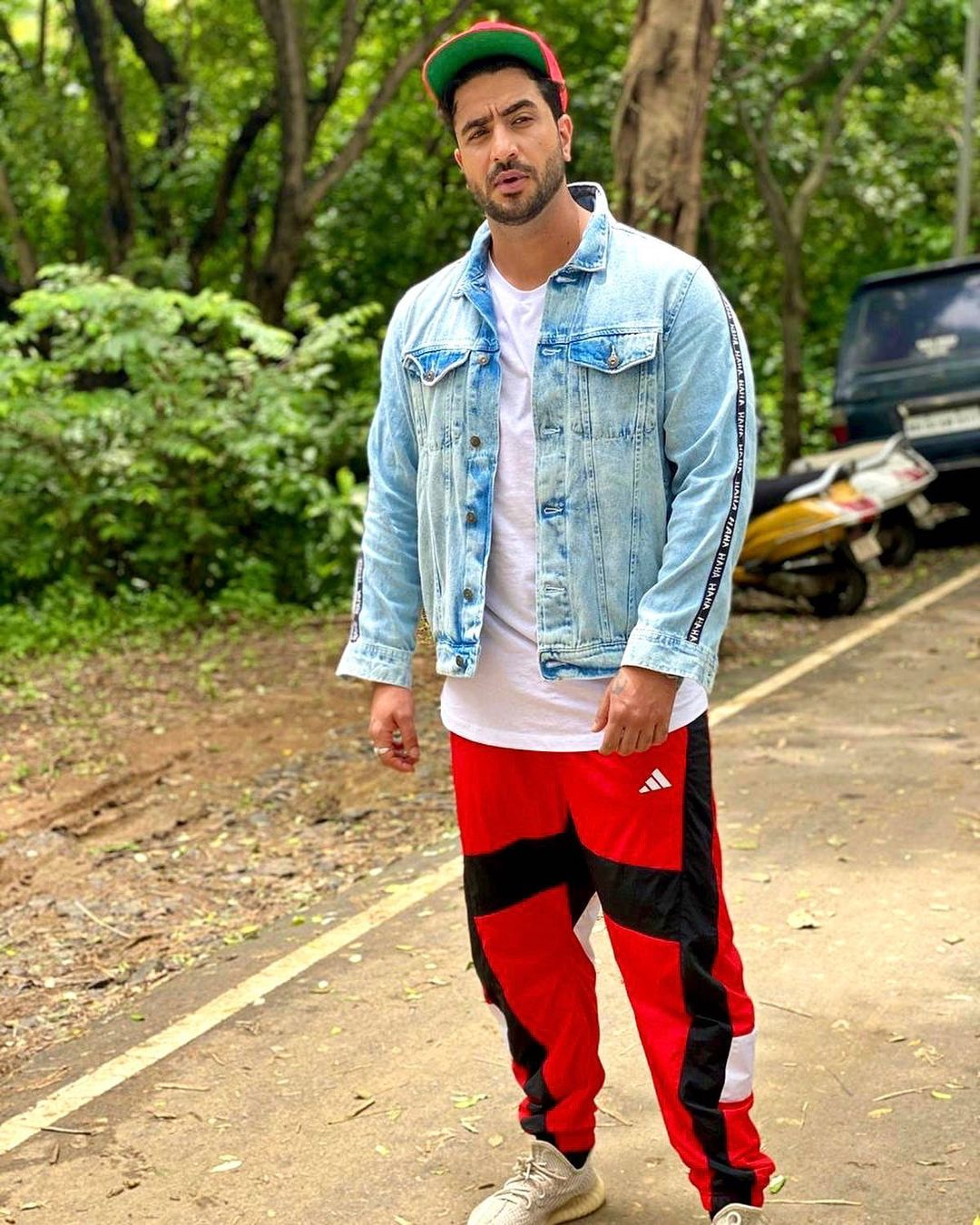 Aly Goni, Nishant Singh Malkani, Harsh Rajput's Denim Fashion Sets Instagram On Fire; See Pics 6