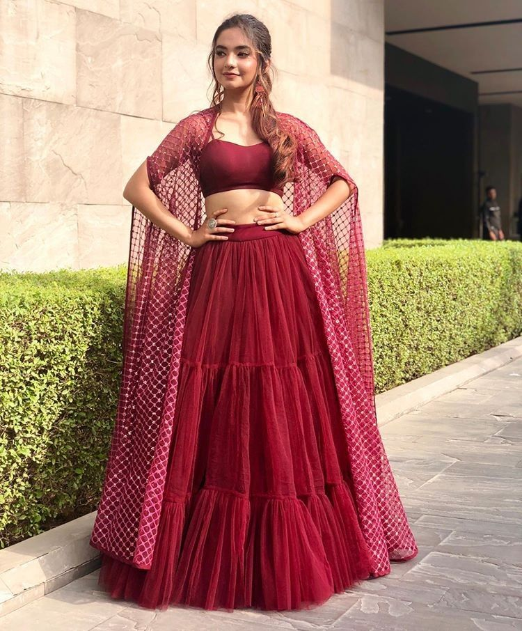 Anushka Sen Looking Hot and Sexy in Anarkali Kurta