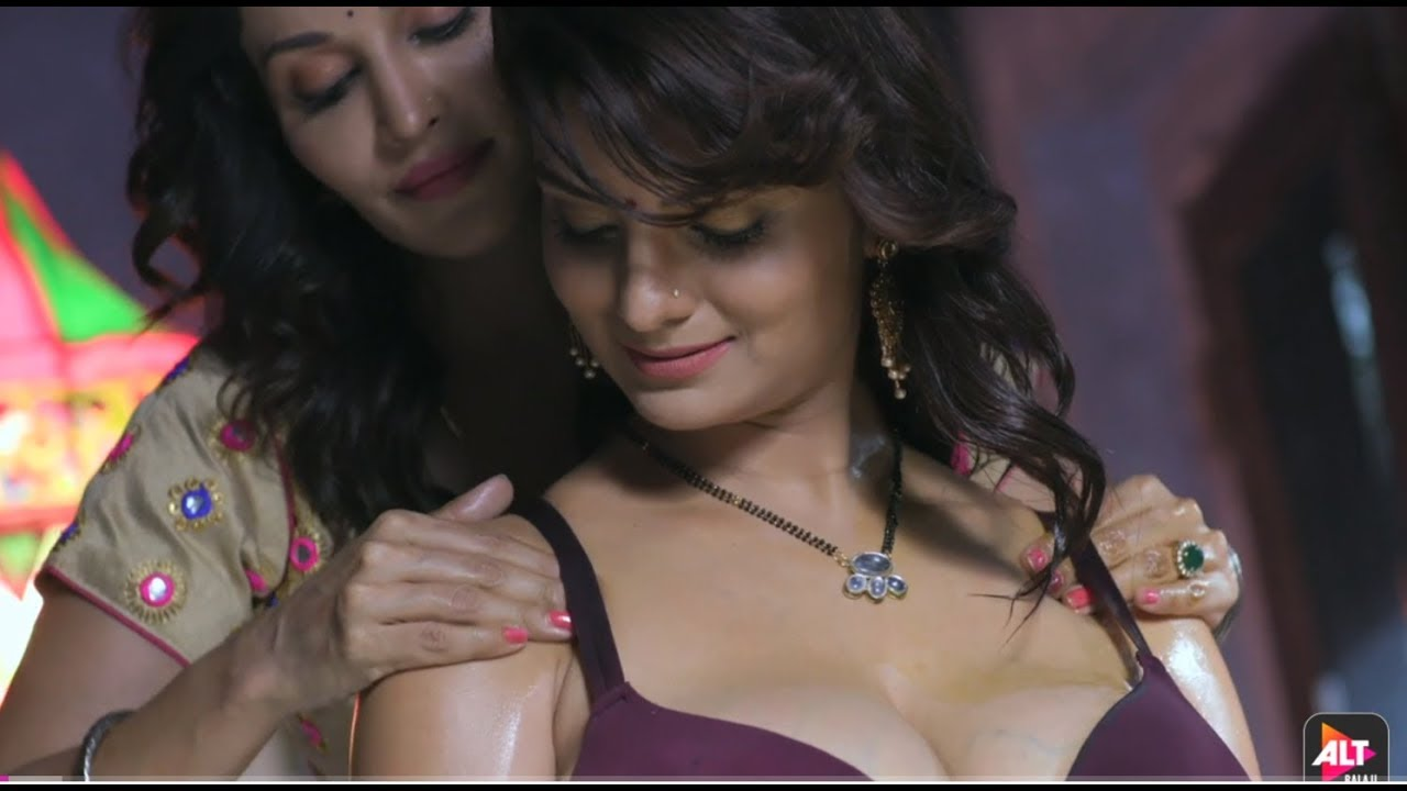 Anveshi Jain And Flora Saini's Sexy Moment 2
