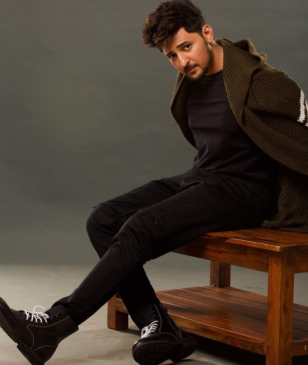 Darshan Raval Knows How To Pull Off Black And White Outfit Like A Pro 5